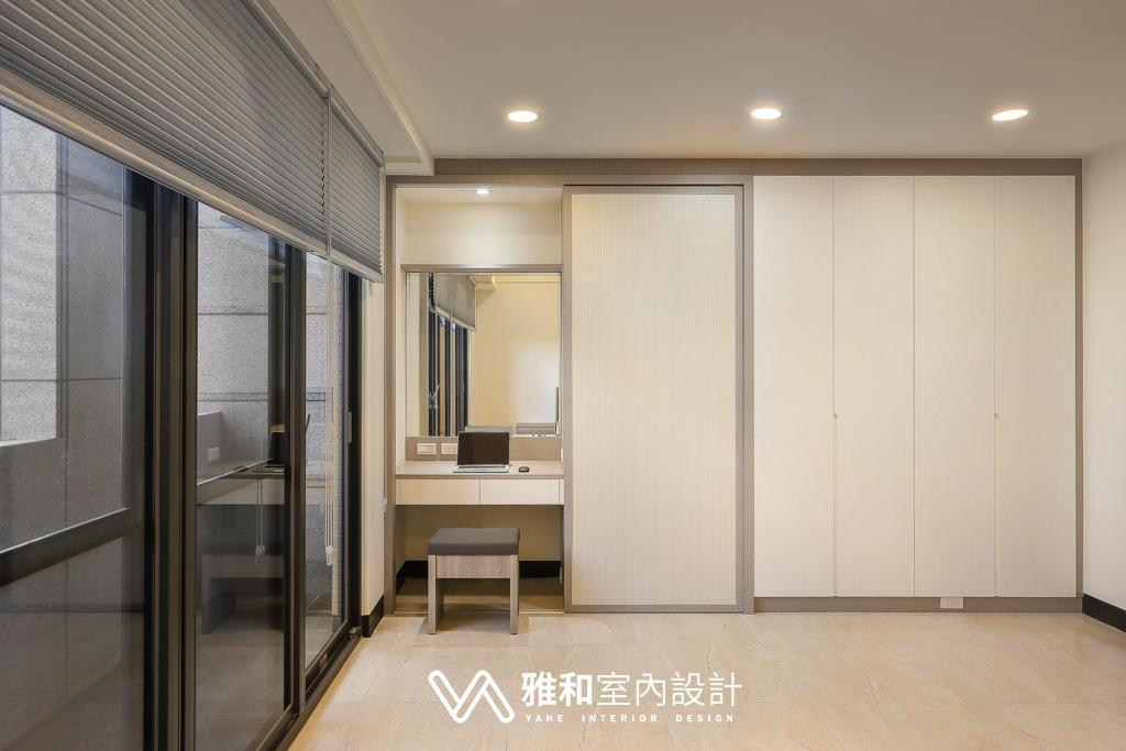 男孩房拉門系統櫃衣櫃與木作梳妝台\現代簡約風\桃園八德室內設計